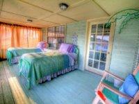 bedroom-349699_1280